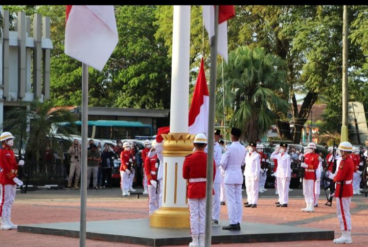 Upacara Peringatan HUT Ke-76 RI Berlangsung Khidmat